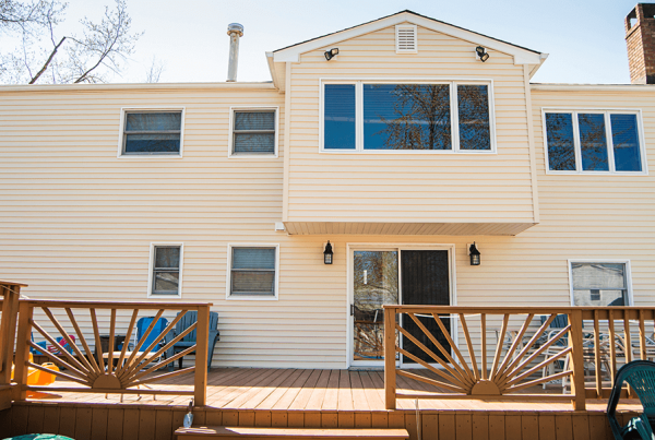 Read Siding View With Deck