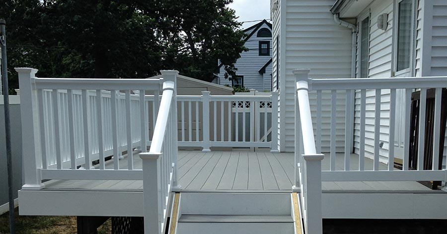 Benefits Of Composite Decking Vs. Wood